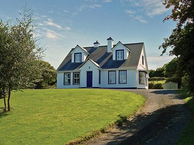 Photo for Detached cottage in traditional style, quiet and secluded, on elevated site in large garden wi…