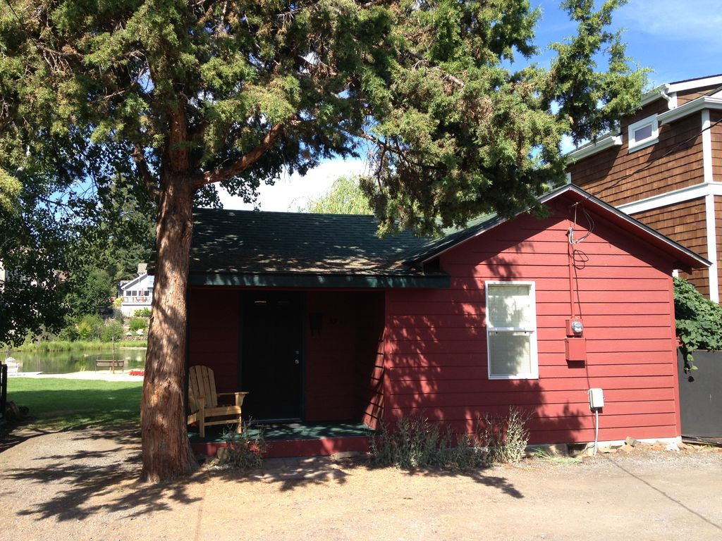 Amazing unobstructed river view downtown bend deschutes for River view cabins