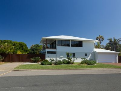 Photo for The Beach House at One Mile - 6 Burrawong