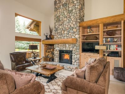 Photo for Incredible Sun Valley home with updated kitchen and Lane Ranch amenities