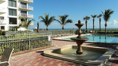 Photo for Super Steal!Fab2b Oceanfront.Sept-OctWas$2995 Now $1875Dec$2495.Pool, wifi