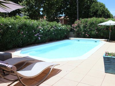 Photo for Villa with pool, close to the active downtown of Marseille