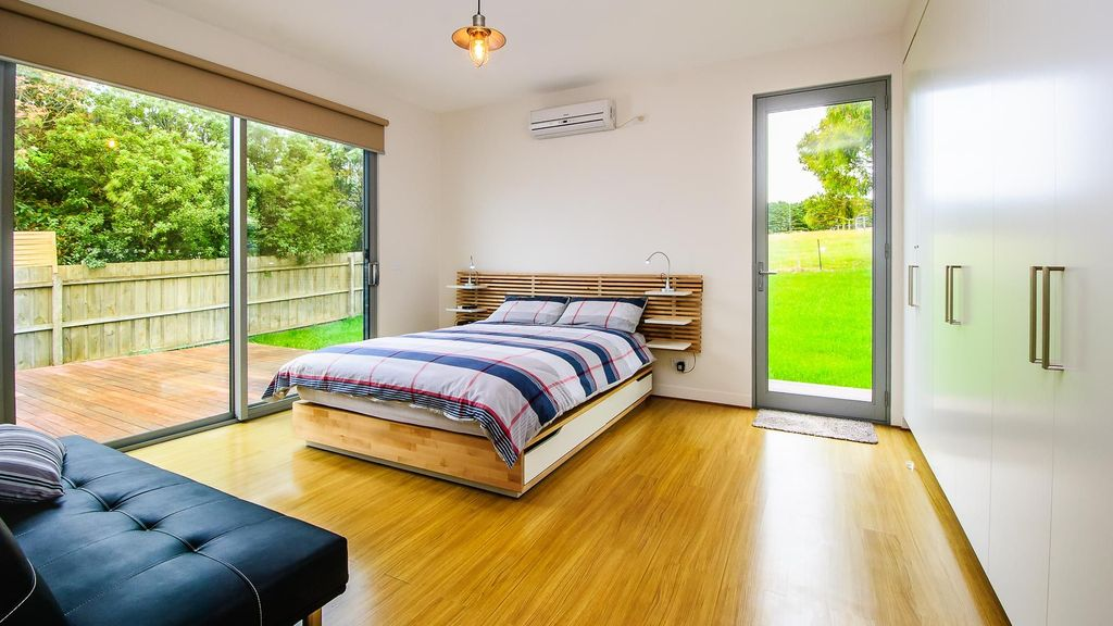 Ironbark on Dolphin - luxury home in Smiths Beach