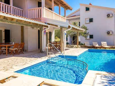 Photo for Apartment Pavica 3 in Rab/Rab - 4 persons, 1 bedrooms