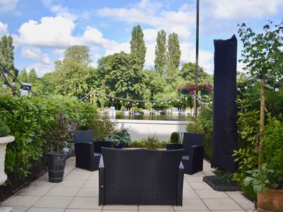 Photo for 2BR Apartment Vacation Rental in Henley on Thames
