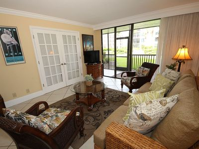 Ground Level, Courtyard View, One Bedroom Condo - Sundial F106