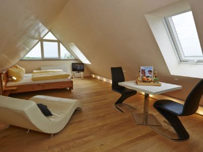 Photo for Apartment Wolke 7 for 1-2 people in the Dachspitz with a wonderful view over the Taubertal