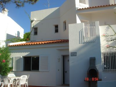 Photo for A spacious 3 bedroom, 2 bathroom house ideal for all requirements with WIFI