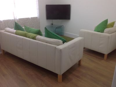 Photo for Queens Apartment, split level spacious, homely, newly refurbished