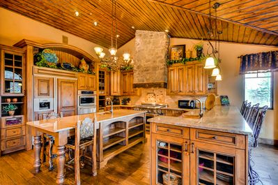 Wonderfully Appointed Kitchen - Spacious and Inviting