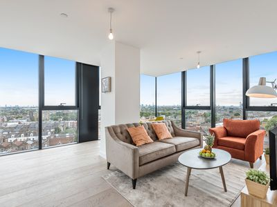 Photo for Stunning 2bed in Archway w/amazing skyline views!