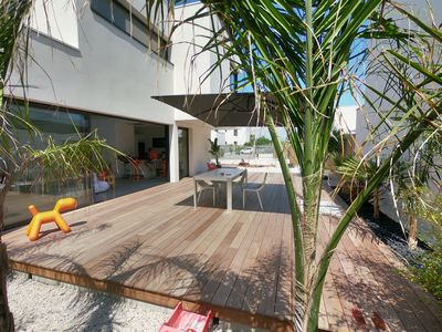 Photo for Architect's family villa of 130 m2 between sea and ponds