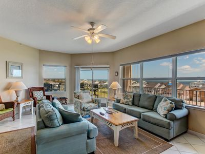 Photo for Gorgeous 3rd Floor Ocean Park Condo- Oceanviews and Just a Short Walk to Water's Edge