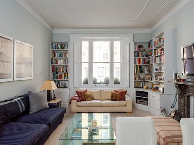 Photo for Elegant 2 Bed in charming Chelsea