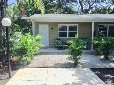Walk to the Beach! 4 Blocks from Venice Beaches - Fresh and Clean, with Patio