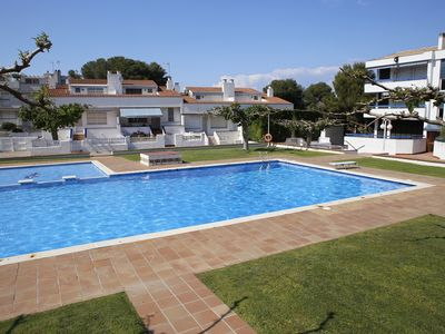 Photo for AT018 TORREMUNTS: Equipped apartment, with pool and wifi, 250m from the beach