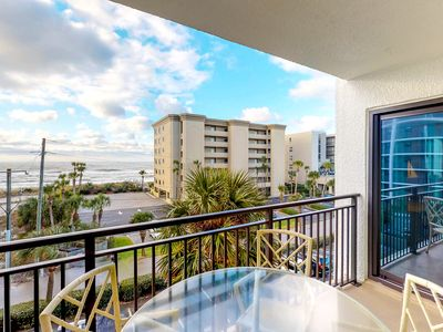 Photo for NEW LISTING! Family-friendly beachfront condo w/shared pool & tennis