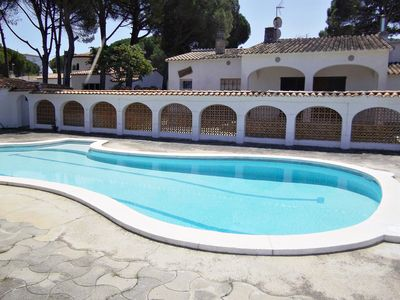 Photo for Villa Arc, spectacular house with LARGE private GARDEN, TERRACE, COMMUNITY POOL