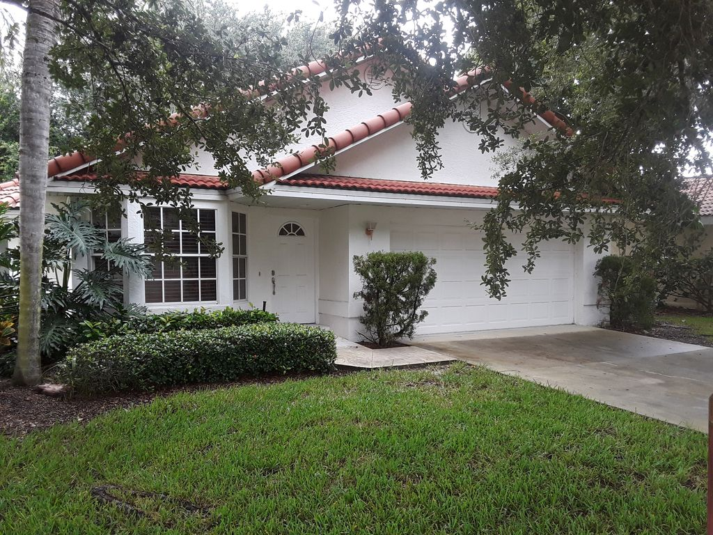 Nice 2200 Sq Ft 4br 3ba Naples Home Located In World