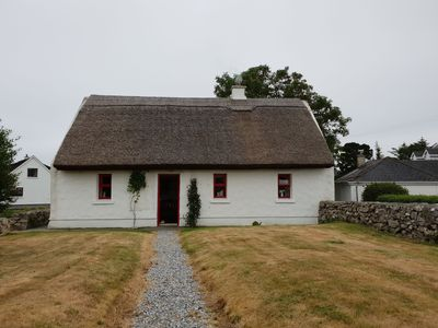 Photo for Tigh Mhicilín, Spiddal - sleeps 6 guests  in 3 bedrooms