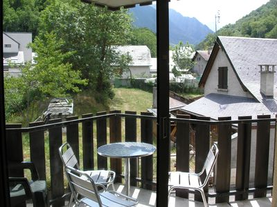 Photo for Bright studio in the heart of the village of ST LARY with mountain views
