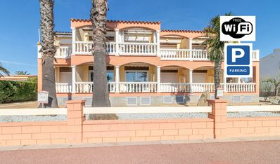 Photo for Apart-Rent-Apartment in front of the beach with wifi (0019)
