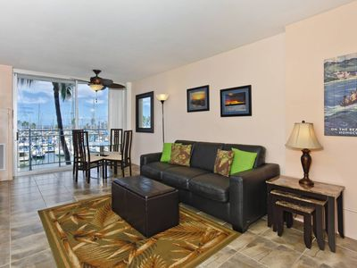 Updated one-bedroom with AC, WiFi & views of the marina!  Sleeps 4.