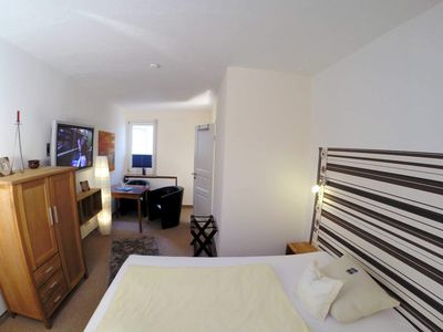 Photo for Comfort room, 15 - 19 sqm - Hotel Villa Schwanebeck - 50 m to the beach