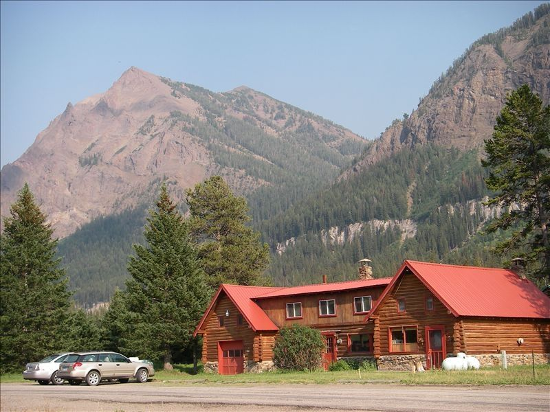 Cooke City House Rental