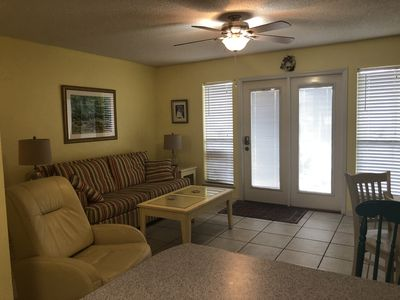 Photo for Spectacular one bedroom convenient to pool and Gulf Waters