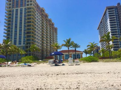 Photo for 2BR Apartment Vacation Rental in HALLANDALE, Florida