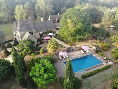 Photo for Manor of character in the Dordogne. Park, swimming pool, private parking, wifi.