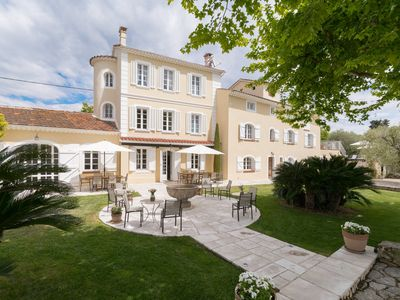 Photo for Domaine des Fleurs - Villa for 16 people in Grasse
