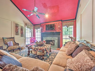 Photo for NEW-Private Kingwood Home w/Yard, 15 Mi to Airport