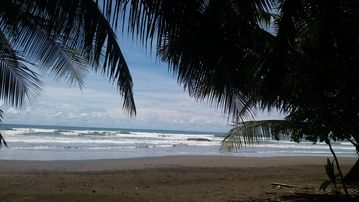 Playa Dominicalito, Costa Rica