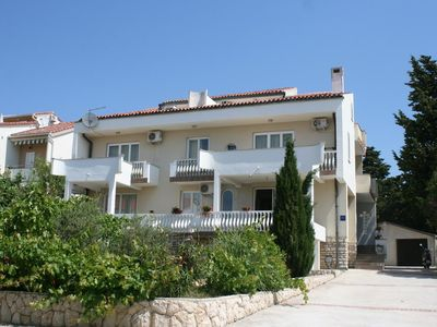 Photo for Apartment in Novalja (Pag), capacity 6+0