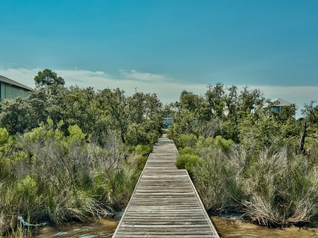new lower rate aug only 1295 fees wk property surrounded by water email owner alabama gulf