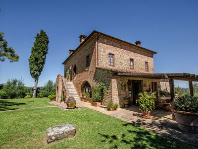 Photo for Wonderful private villa with private pool, WIFI, TV, pets allowed, parking, close to Montepulciano