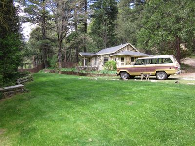 Large lawns and plenty of parking at the Cottage on Spanish Creek