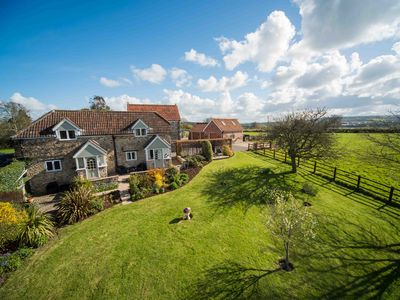 Photo for Stunning countryside views, close to the Jurassic Coast. Dog friendly