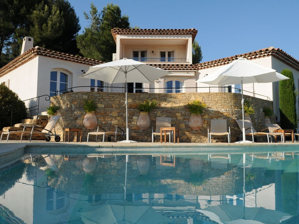 Luxury villa provence la cadi re d 39 azur location de vacances villa - Homelidays com france ...