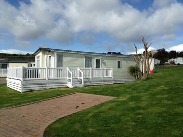 Caravan in Praa Sands, Cornwall, England. Great for beach lovers and golfers!