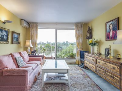 Photo for Views of the river from living room-cosy flat moments from Putney Bridge (Veeve)