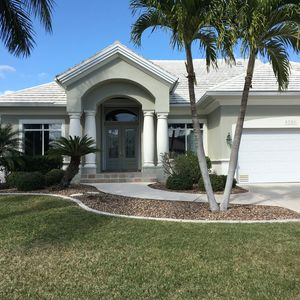 Photo for Waterfront/pool/spa/Punta Gorda Isles, Sunset watch from pool is paradise