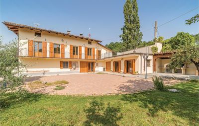 Photo for 7 bedroom accommodation in Nizza Monferrato (AT)
