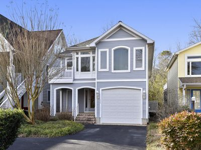 Photo for LINENS & DAILY ACTIVITIES INCLUDED*!  SALT PONDS - 2 SCREENED PORCHES, MANY AMENITIES!
