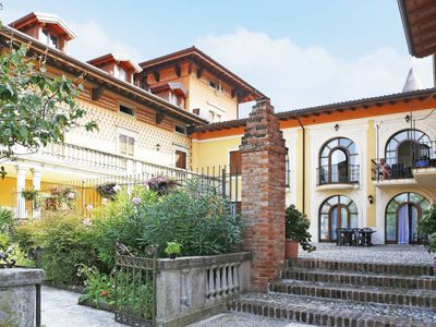 Photo for 3 bedroom Apartment, sleeps 8 in Manerba del Garda with Pool, Air Con and WiFi