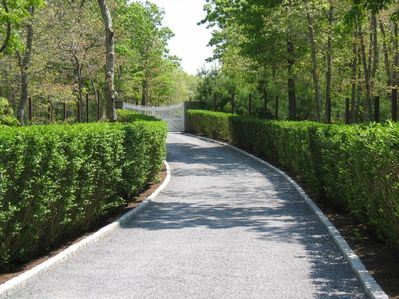 400' Driveway With Private Gated Entrance