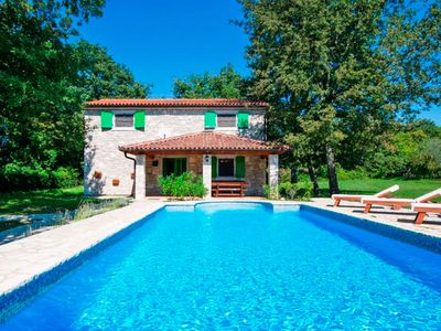 Photo for This 3-bedroom villa for up to 8 guests is located in Labin and has a private swimming pool, air-con
