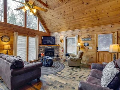 Photo for The Bear Essentials | Lots of Family Fun | WIFI | 3 Master Bedrooms | Hot Tub | Comm. Outdoor Pool